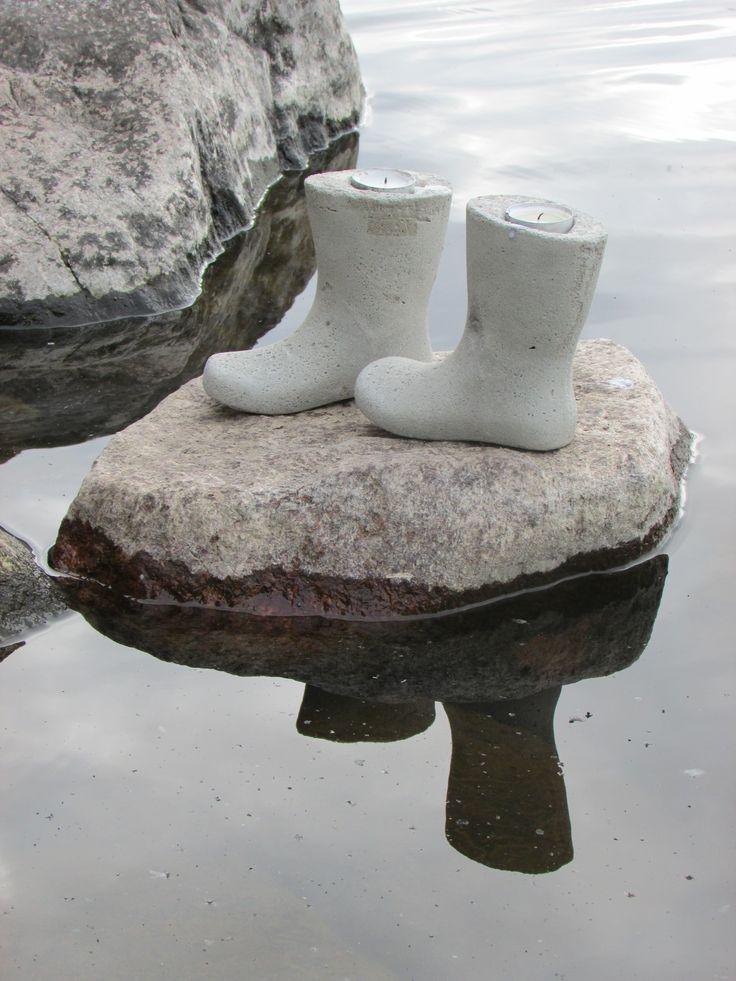 Saappaat betonista