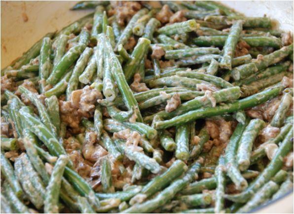 Grüne Bohnen mit Camembert und Speck