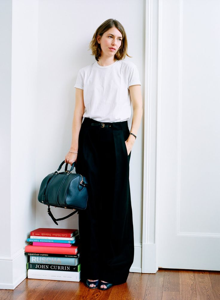 Clean and chic style of Sofia Coppola with a Louis Vuitton SC Bag.