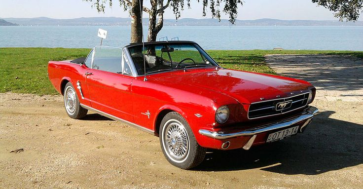 1965 Ford Mustang Coupe Cabrio | Álomautó Múzeum | Veterán autó bérlés | Oldtimer autók | Amerikai veterán autók | Régi amerikai autók | Veterán autó bérlés esküvőre és rendezvényre