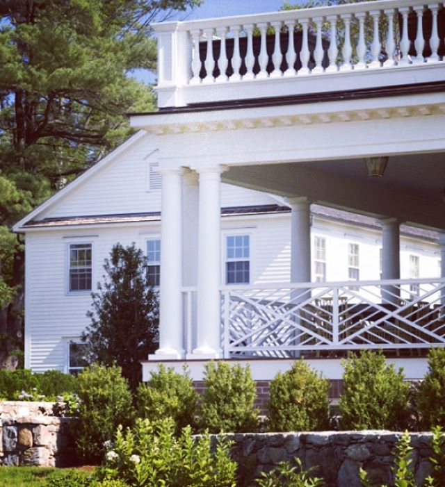 My obsession with white houses continues.....inspiration for my next project #whitehouses #dreamhouses #architecture #inspired #interiors