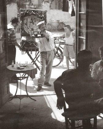 Greek street/taverna musician 1954