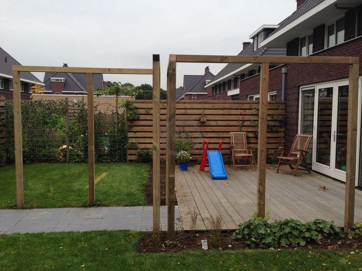 25 beste idee n over hoek pergola op pinterest kleine pergola zitplaatsen inde tuin en zit - Bank voor pergola ...
