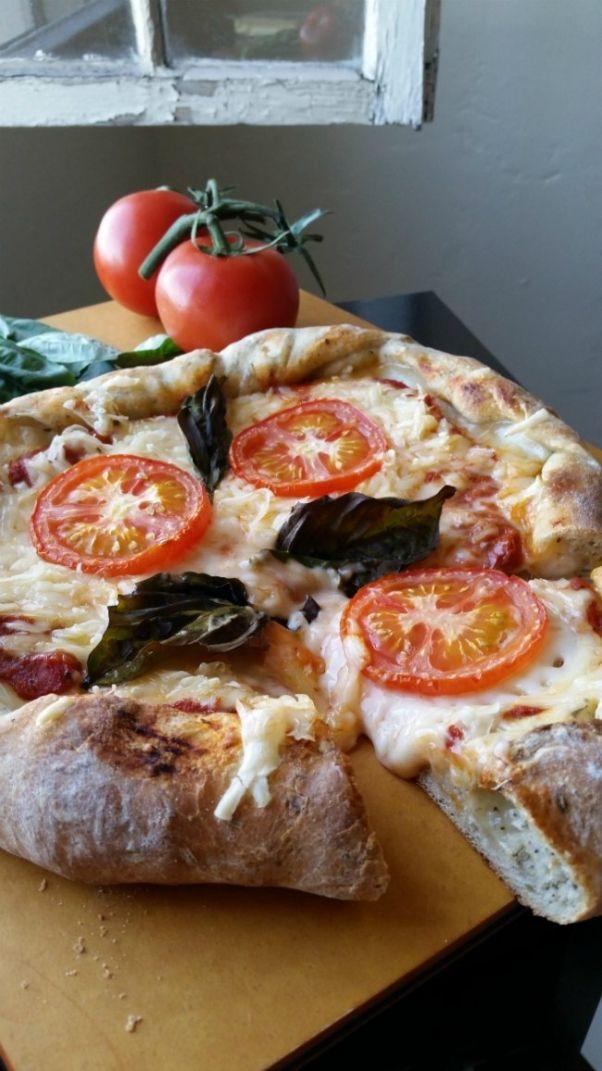Stuffed Crust Tomato Basil Pizza With Vegan Mozzarella. #Vegan #Pizza #Recipe