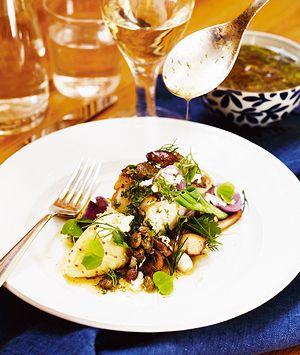 Torskrygg med stekt svamp, potatisstomp med senap och riven pepparrot