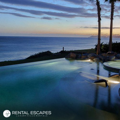 Whether you are looking for a romantic retreat or some quality time with friends, Casa Milagro in Los Cabos has every desired feature and amenity for a luxurious getaway with your favorite people: http://bit.ly/2p4feaK