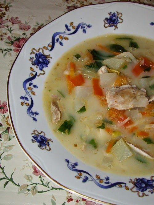 Supica asta bogata si delicioasa este rezultatul unei alaturari de ingrediente disponibile, in jurul unei guli rotofeie cumparata de la o...