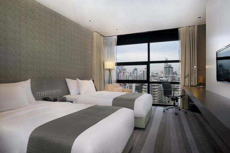Deluxe Twin Room at Holiday Inn Bangkok Sukhumvit 22