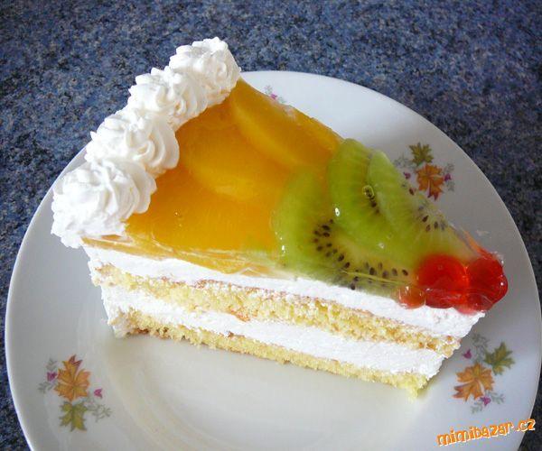 Výborný a osvěžující dortík s ovocem.Chtěla bych moc poděkovat Péťě T.(petatrn) za její výborný krém...
