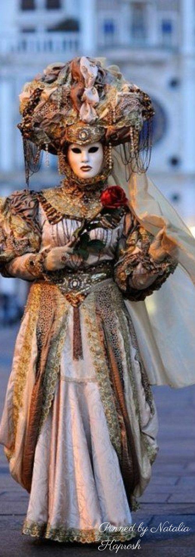 В игровом автомате Venetian Carnival онлайн на деньги находится две обязательные онлайн игры.Также можно побывать в дополнительном этапе, который разоблачит весь баланс слота Венецианский Карнавал.Туапсе