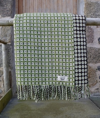 Ardalanish Weavers: Green check blanket