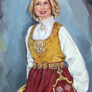 Portrait of my lovely artist colleague Lillian, wearing traditional costume from Follo, Norway. Detail. Acrylic on canvas 120x60 cm.  #art #artist #painting #portrait #movement #woman #traditionalart #traditional #costume #dress #art_honardonii #art_spotlight #artsdreamss #red #spotlightonartists #smile #bunad #follobunad #bunadsølv #kvinne #folklore #walking #bevegelse #kunst #maleri