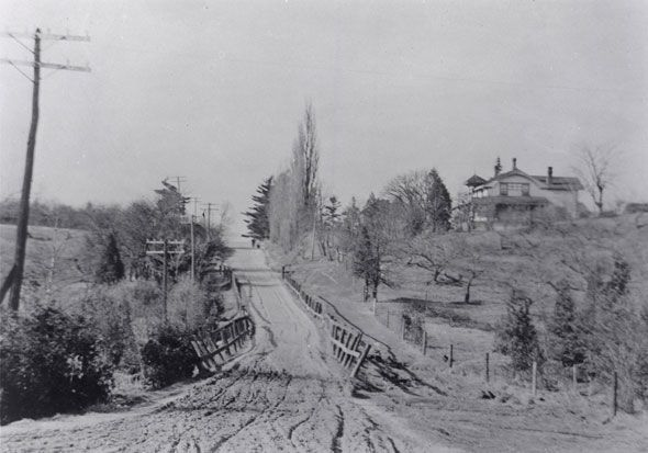 Bayview Ave. looking north from Eglinton in 1910. toronto 1910s