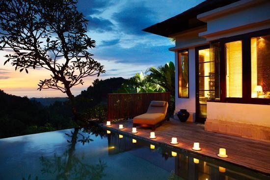 Damai lovina beach resort Bali