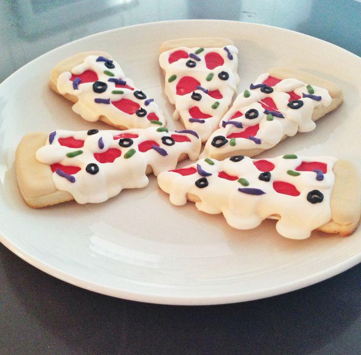 Custom Pizza Cookies  @sugarlovecookiesdesigns FB sugar love cookie designs