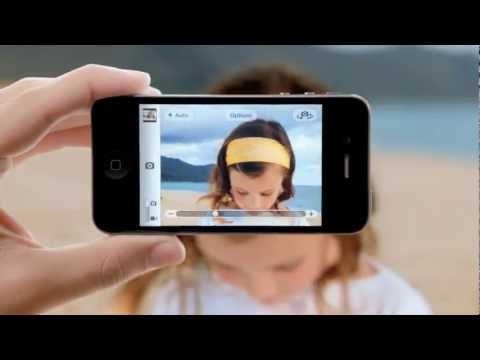 갤럭시 탭8.9 국내광고에 아이폰 4s에 등장한 적 있었던 꼬마여자애를 출연시킴.
