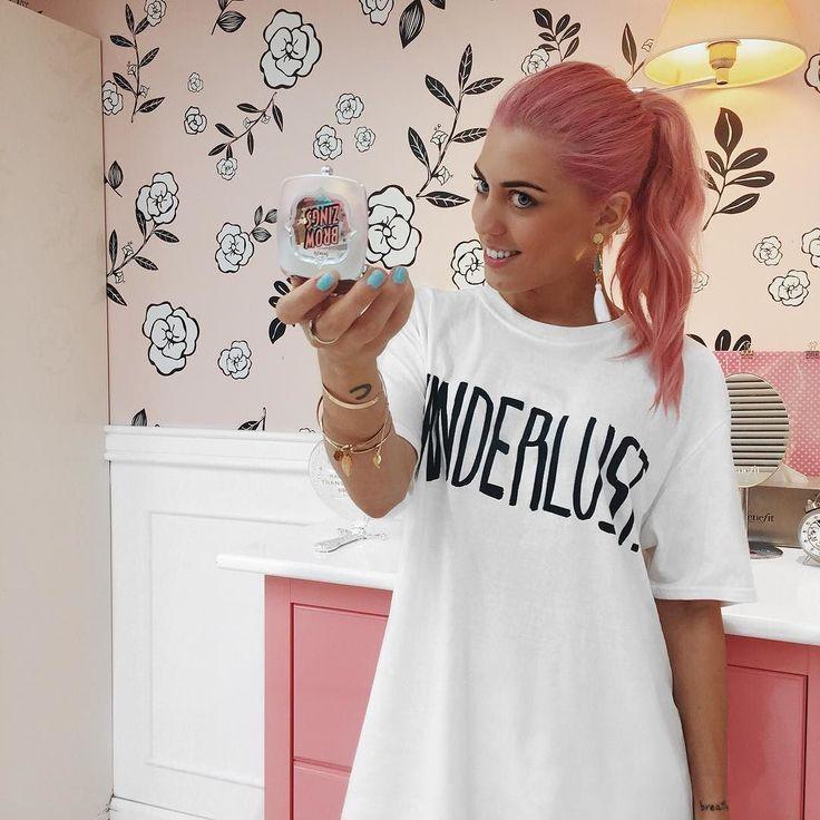 Da buona amante di @benefitcosmeticsitaly ieri ho avuto il piacere di scoprire i nuovi prodotti per #sopraccigliaperfette #BenefitBrows  Rimangono in assoluto i miei prodotti preferiti per definire riempire e fissare le mie sopracciglia! Dovete provarli assolutamente!! #Benefit #benefitcosmetics #makeup #wellness #beauty #brows #ChiaraLosh #hair #pinkhair #haircolor #crazyhair #beautiful #wanderlust #noperfect #smile