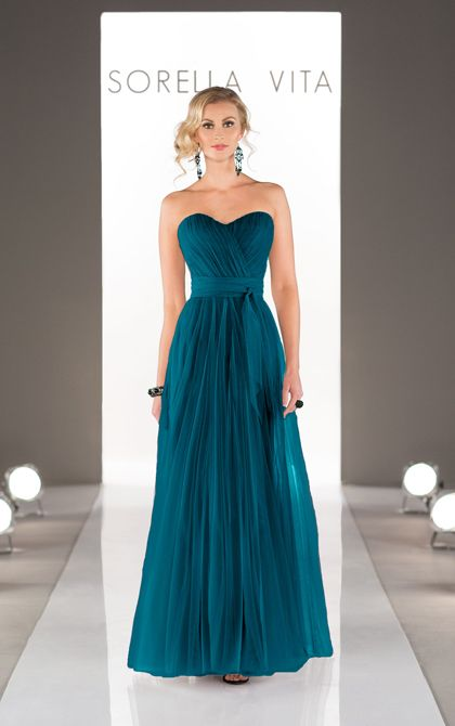 Maid Your Way Convertible Tulle long bridesmaid dresses with two streamers - drape, twist or wrap the streamers to create more than 18 different looks. #BridesmaidDress #SorellaVita #MaidYourWay