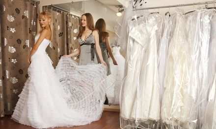 From wedding gowns to ready-made centerpieces, find wedding items that are gently used and ideal for the big day