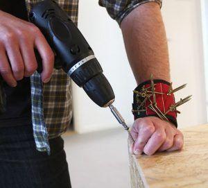 Voor de échte klussers onder ons! Deze armband is ideaal om de nodige schroeven, spijkers of schroevendraaiers bij je te houden! Nu €7,60!  http://gadgetsfromchina.nl/magnetische-armband-voor-het-klussen/  #Gadgets #gadget #aanbieding #Sale #cheap #bargain #klussen #klusser #handyman #spijkers #Schroeven #bolts #screws #screwdriver #schroevendraaier #home #huis #house #tinydeal #china #GadgetsFromChina