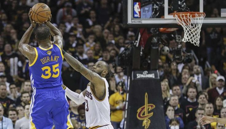 Kevin Durant se puso la capa de superman y Golden State pone serie 3-0