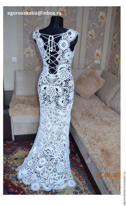 Купить или заказать Платье 'Парижанка' из коллекции 'французские кружева' в интернет-магазине на Ярмарке Мастеров. Платье из коллекции 'французские кружева' Платье в пол, белого цвета. Очень красивое платье, вязано крючком из тонкой пряжи цвета пудры! Ирландское кружево полностью ручной работы, игольные бриды, сборка без швов. Выполненное из натуральных материалов, созданное тончайшим крючком и собранное иголкой вручную на манекене, без швов, с идеальной посадкой по фигуре!