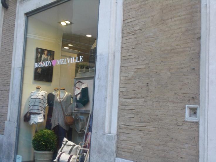 Brandy Melville, Rome