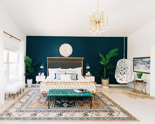 We've got a good one on #RueDaily today! @decoristofficial designer Jessica McCarthy created a dreamy bohemian bedroom for @avestyles. The kicker? Jessica was in CA, Alex lives in Phoenix. Yep, this gorgeous space came together virtually. Learn more at ruemag.com!  by @rennaihoefer