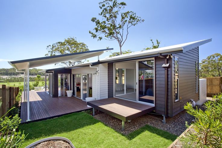 Scyon Linea weatherboard - deep shadows accent the weatherboard cladding.