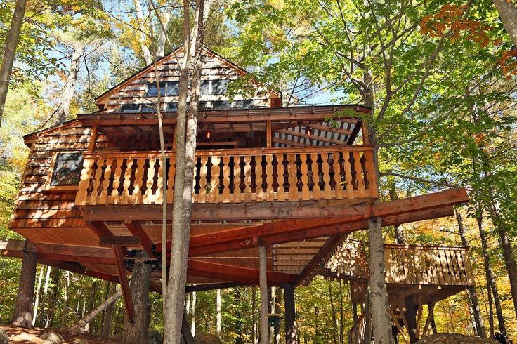 Amazing Two-Story Treehouse Near Skiing and Lake - Treehouses for Rent in Newbury, New Hampshire, United States