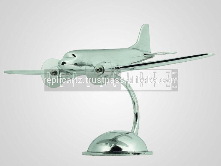 Desktop Aeroplane Aluminium Decorative DC3 Airplane with Stand Aircraft Model