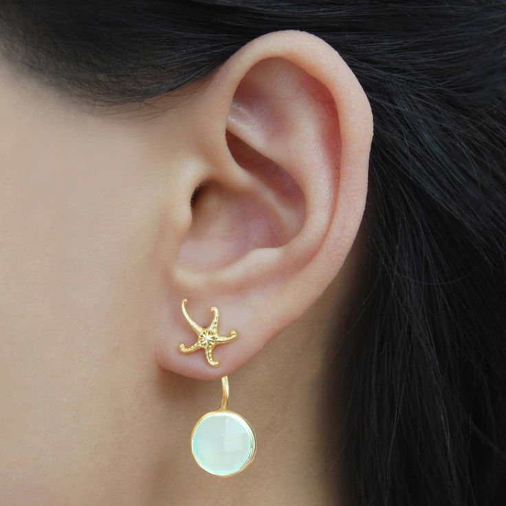 Are you interested in our gold earrings ? With our starfish earrings you need look no further.