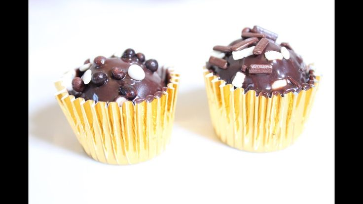 Beijinhos com cobertura de chocolate