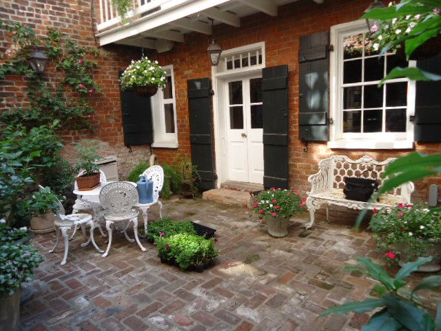 28 best images about new orleans courtyards on pinterest for French style courtyard ideas
