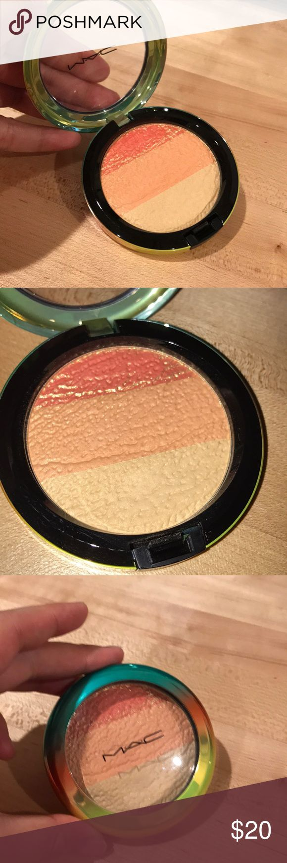 Mac Freshen Up High-Light Powder Limited edition! Used a couple of times and the golden layer on top is gone but is still in good condition. Has a very pretty natural glow. Still have the box. MAC Cosmetics Makeup Luminizer