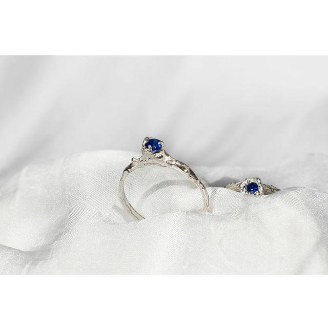 Nowe pierścienie 💎💎 #rings #lovegoldlive #madeforyou #finejewellery #handmadejewelry #jewelry #designer #polishart #silver #silverjewelr #goldjewelry #gemstonejewelry #mixandmatch #blue #samkow # annasamkow #warsaw