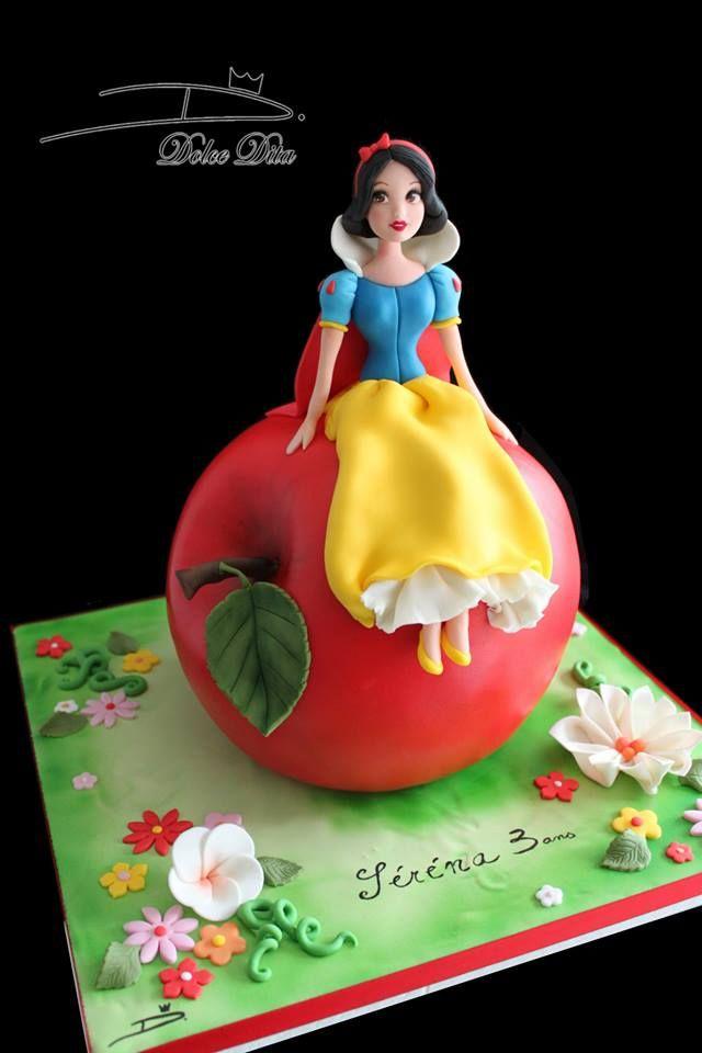"""Gâteau Disney """"La Belle au bois dormant""""  Réalisé par Dolce Dita"""
