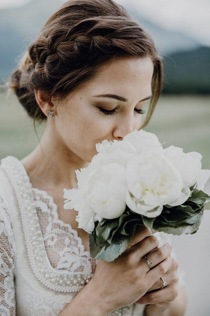 Wunderschöne Alm-Hochzeit  Dirndl frisuren hochzeit, Trachten