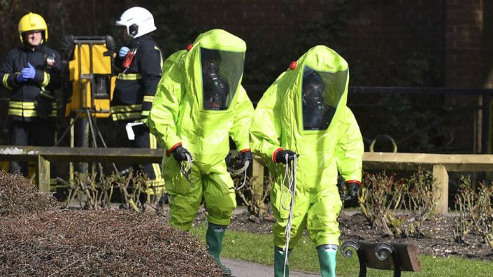 Coverage of double agents alleged poisoning is hysterical propaganda  Lavrov  RT World News