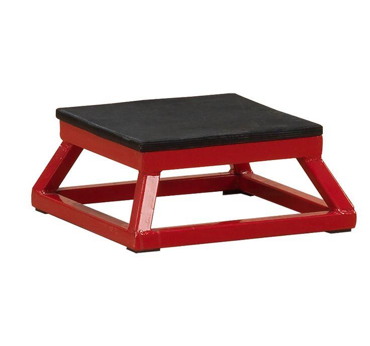 Body Solid plyobox 15 cm  Description: Plyometrisch trainen is voornamelijk het trainen van explosieve kracht. Sneller starten bij een beweging hoger springen tijdens een wedstrijd beter en gecontroleerder wenden en keren dat zijn enkele praktische voorbeelden die je als doelstelling kunt gebruiken. Functioneel trainen of ook wel sportspecifieke oefeningen zijn meer normaal dan uitzondering bij deze vorm van training. Een basketballer kan oefenen om vanuit stand snel en krachtig omhoog te…