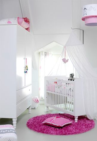 #Babykamer meisjes ideeën met roze en wit | Girlie #nursery ideas with pink and white