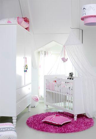 #Babykamer meisjes ideeën met roze en wit | Girlie #nursery ideas with pink and white