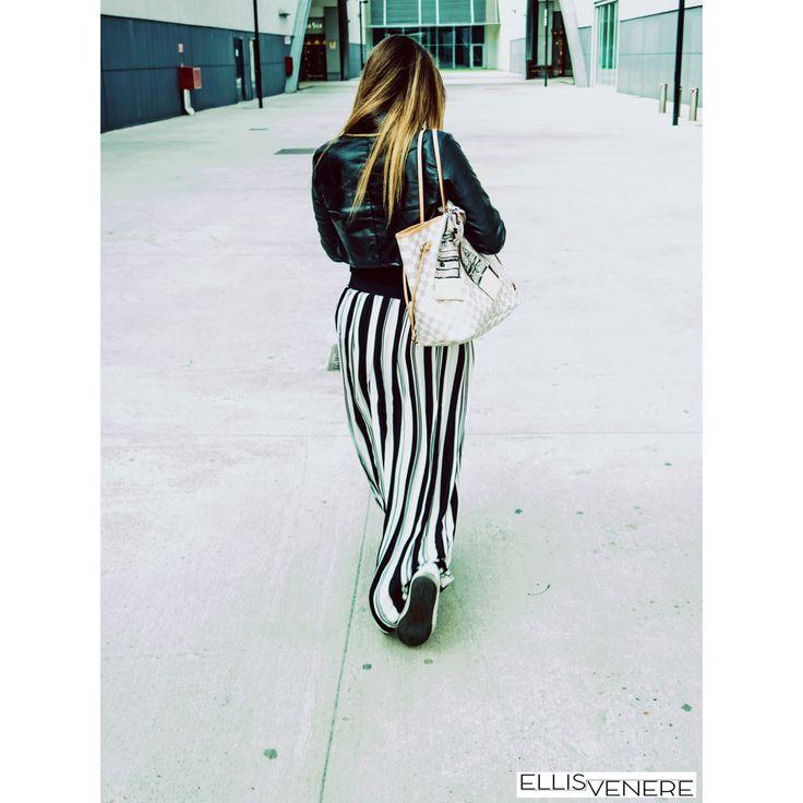 Fantasie a righe, un must have di questa stagione! Che ve ne pare della mia gonna lunga #mixeri? Io la adoro! #ellisvenere #personalstylist #fashionblogger #infuencer #igerstorino #outfitinspiration