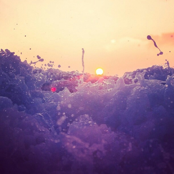 waves!: Sunsets Splash, Splish Splash, Summer Splash, Color, Violets Sunsets, The Ocean, Fashion Quotes, The Waves, Hot Summer