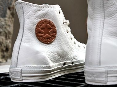 IF, you are wearing Chucks for your wedding, at least make them leather.  ooooohhhh my goodness.