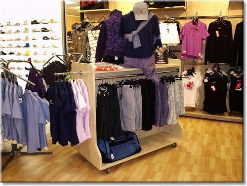 Arredamento abbigliamento ~ Mobili arredamento negozio abbigliamento: mobili negozio di