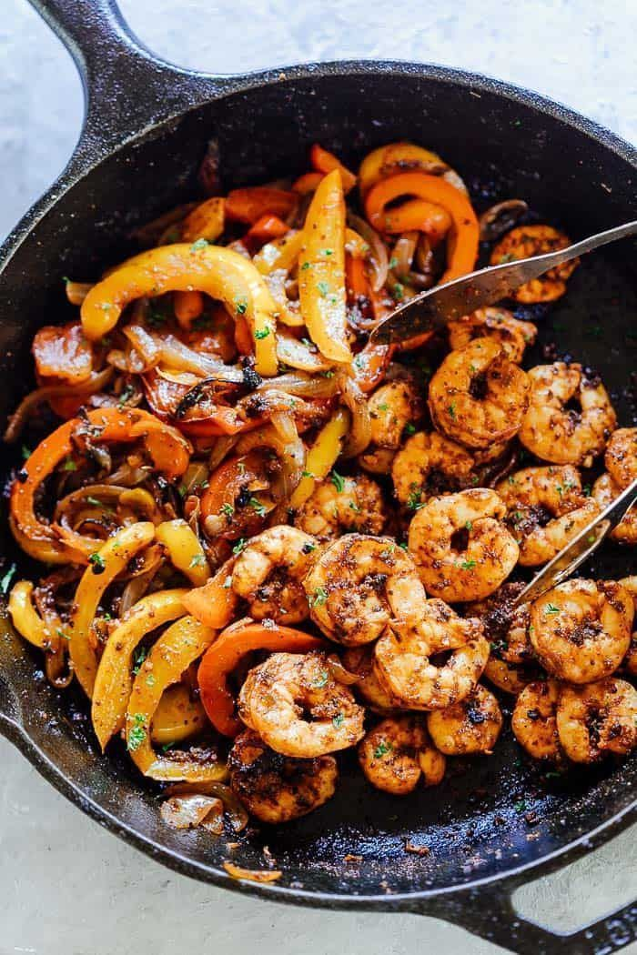 Shrimp Fajitas are super easy to put together and bursting with flavour. Made with a homemade fajita seasoning and wrapped in tortillas, these are the perfect weeknight meal! #mexican #dinner #fajitas #easy #spendwithpennies #shrimpfajitas #homemadefajitaseasoning Shrimp Fajitas are super easy to put together and bursting with flavour. Made with a homemade fajita seasoning and wrapped in tortillas, these are the perfect weeknight meal! #mexican #dinner #fajitas #easy #spendwithpennies #shrimpfaj