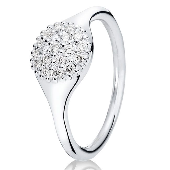 love this - reminds me of my engagement ring... Maybe this can be for my right hand!