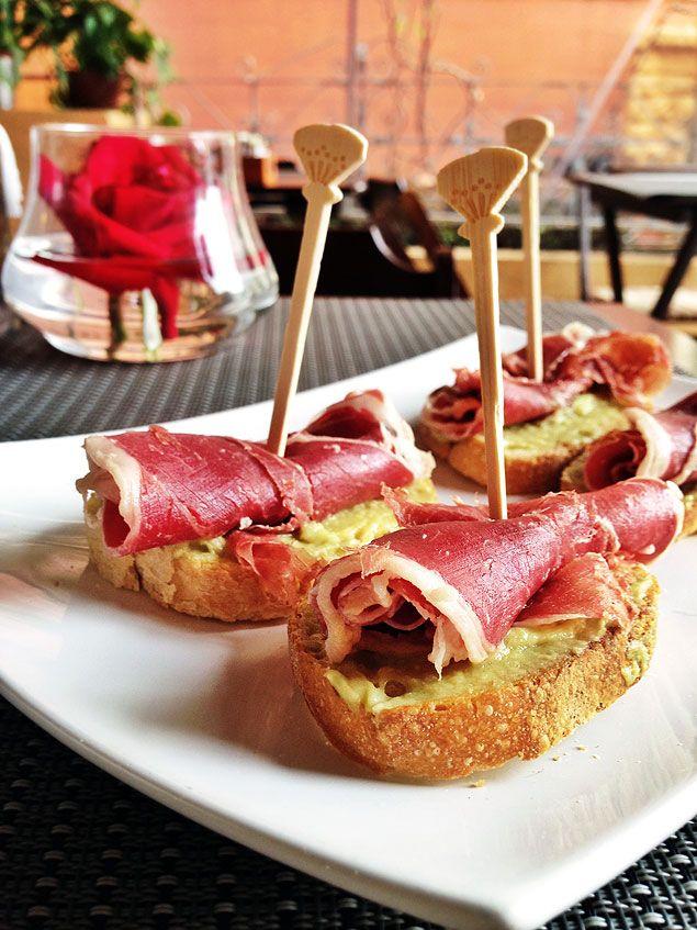 Gusta: espanhol bom e barato na Pompeia | Marcelo Katsuki - Folha de S.Paulo - Blogs Gusta Café, Bar y Gastronomia – mapinha aqui R. Desem. do Vale, 1.090 – Pompeia – Oeste. Telefone: 2925-1157