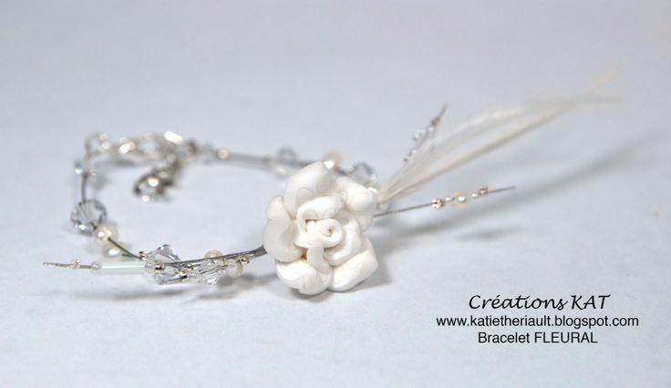 Bracelet, fleur fimo, plumes, cristaux, Créations KAT, blanc, mariage, www.katietheriault.blogspot.com